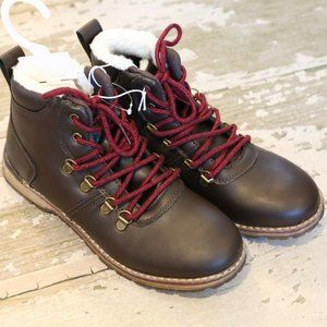 NWT CAT & JACK Brown JASPER Lug hiking Boots Sz 5
